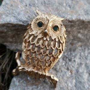 Vtg Napier Textured Goldtone 3D Owl Figural Brooch